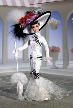 Barbie Doll as Eliza Doolittle from My Fair Lady at Ascot | Crédito da imagem: Divulgação Barbie Collector/Mattel