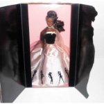 Timeless Silhouette Barbie Doll | Imagem: Amazon