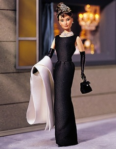 Audrey Hepburn Breakfast at Tiffany's Holly Golightly | Black Gown Barbie doll | Crédito da imagem: Divulgação Mattel