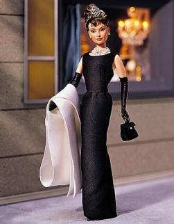 Audrey Hepburn Breakfast at Tiffany's Holly Golightly | Black Gown Barbie doll | Crédito da imagem: Divulgação Mattel