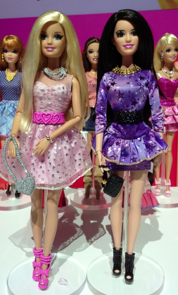 Barbie e Raquelle | Crédito da imagem: Photo by Michael Williams/MyLifeInPlastic.com