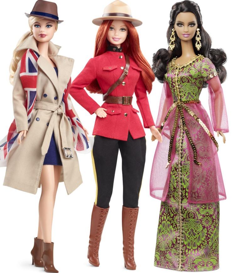 Da esquerda para a direita: DOTW UK, Canadá e Marrocos Barbie Dolls | Crédito da imagem: Divulgação Mattel/Barbie Collector