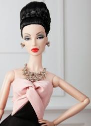 Magnificent FR: Monogram Dressed Doll: limitada a 300 unidades | Crédito da imagem: divulgação Integrity Toys via fashiondollchronicles.blogspot.com