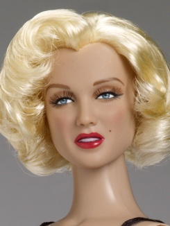 Marilyn Monroe as Lois Laurel | Crédito da imagem: www.tonnerdoll.com/marilyn-monroe