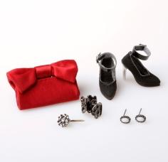 Acessórios da Nostalgia - Dania Zarr™ Dressed Doll - The Fashion Royalty® Collection: limitada a 600 unidades | Crédito da imagem: divulgação Integrity Toys