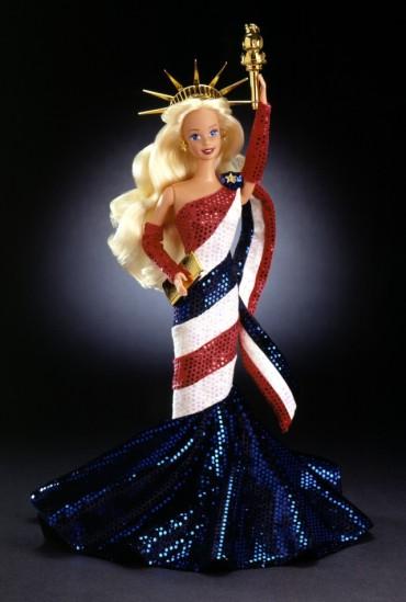1996 Statue of Liberty Barbie Doll | Crédito da imagem: divulgação Barbie Collector/Mattel