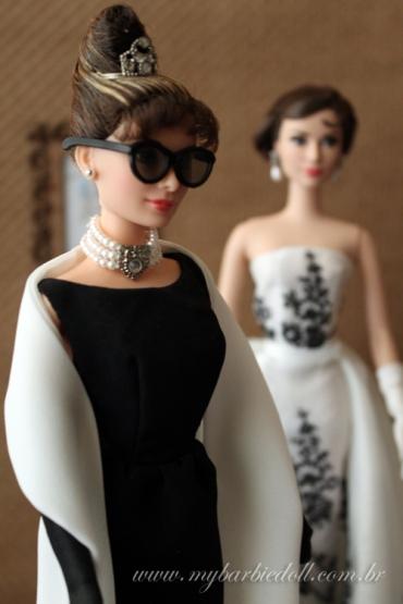A boneca Audrey como Holly Golightly, de Bonequinha de Luxo | Crédito da imagem: Samira | www.mybarbiedoll.com.br