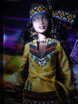 Kwanzaa Barbie Doll | Crédito da imagem: Giovanni Lima - Willy✰Wonder/Flickr