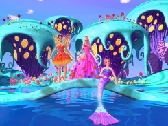 Alexa entre a fada Nori e a sereia Romy   Crédito da imagem: divulgação Universal Pictures e Mattel