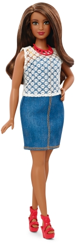 Curvy Dolled Up in Denim | Crédito da imagem: divulgação Mattel | www.barbie.com