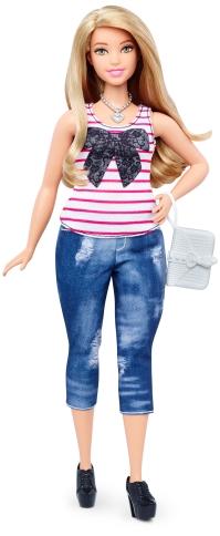 Curvy Everyday Chic | Crédito da imagem: divulgação Mattel | www.barbie.com