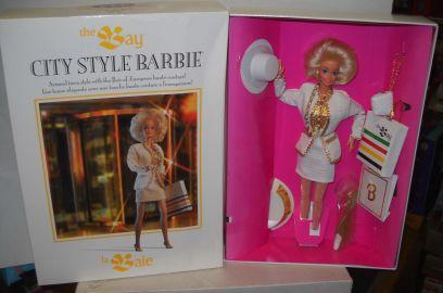 Hudson's Bay 325th Anniversary City Style Barbie Canada | Crédito da imagem: den268/eBay